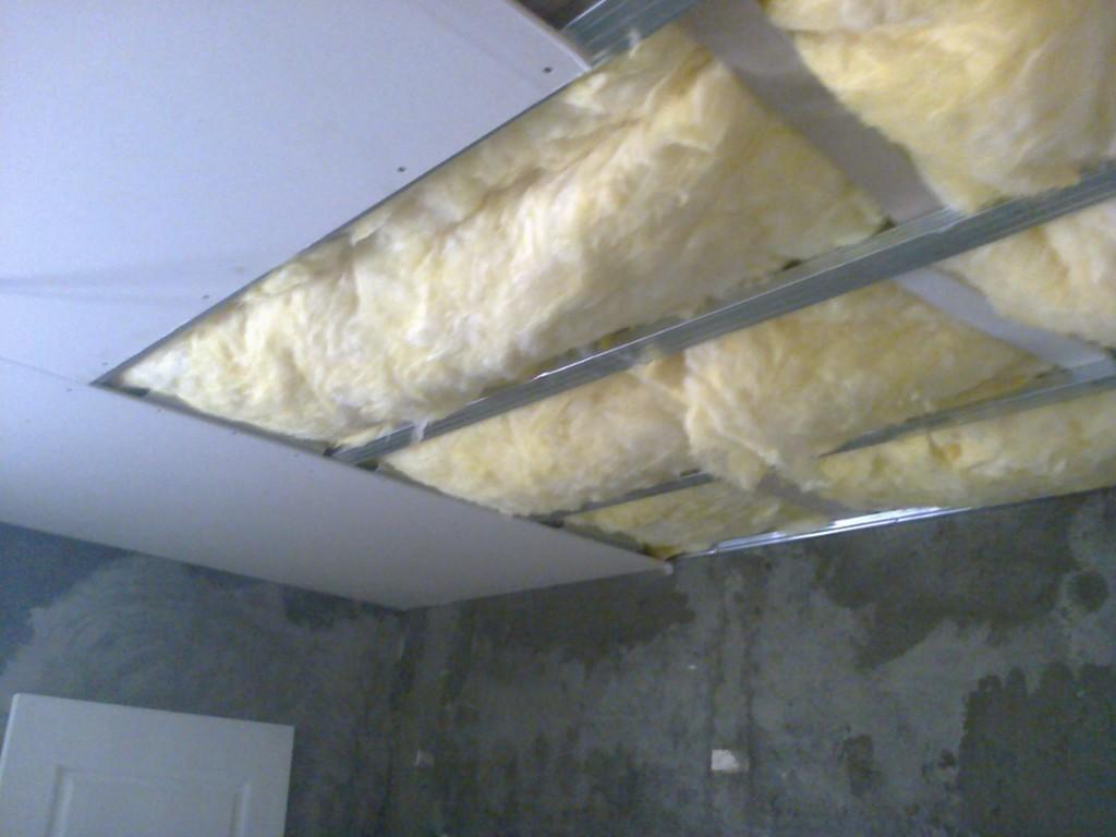 Cum se placheza rigips carton pe tavan