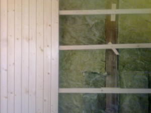 amenajare interioare cu lambriu si vata