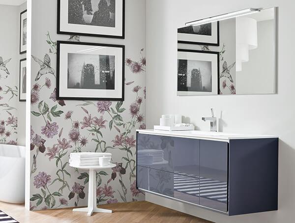 baie florala cu tapet