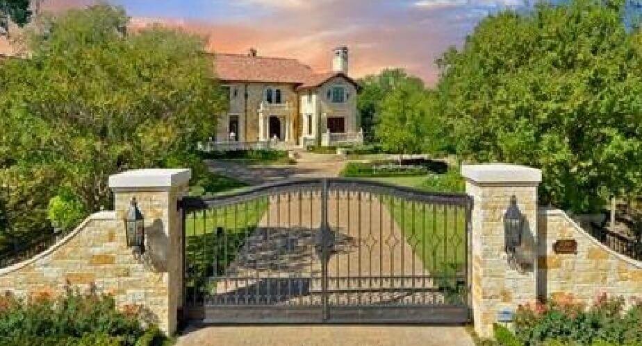 Modele de garduri fabuloase pentru cele mai frumoase case for Modele de garduri pentru case